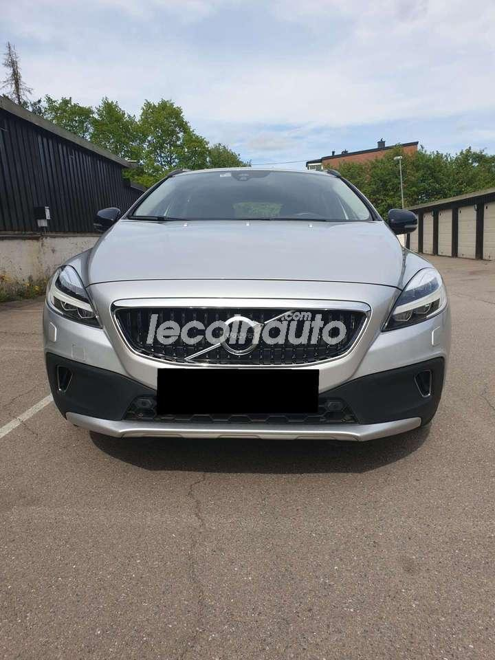 Volvo V60 Cross Country D3 150 ch Geartronic 8 Summum